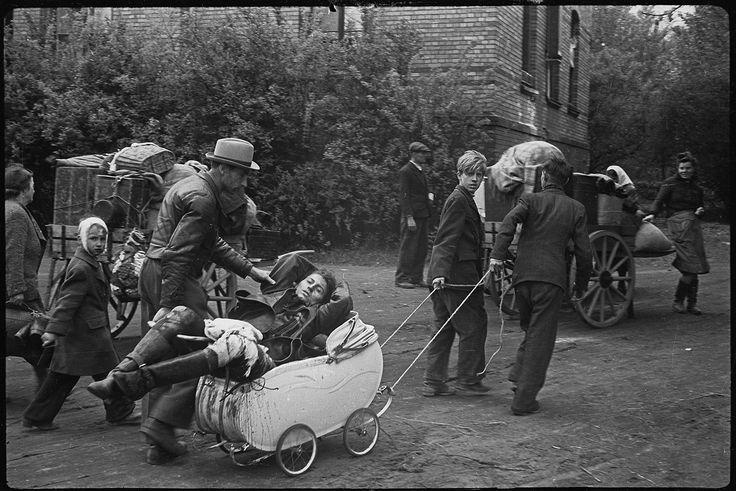 В 1941-м — аукнулось, в 1945-м — откликнулось. Пригород Берлина, май 1945 года