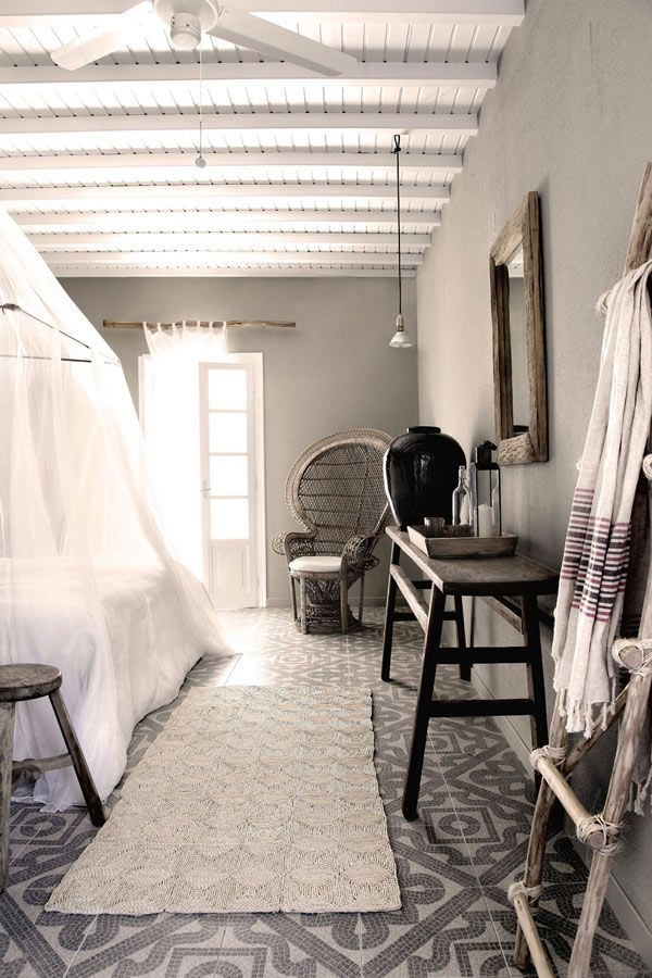 interior design of San Giorgio Hotel on the island of Mykonos (by Lambs and Lions)