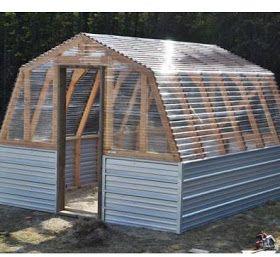 Easy Homesteading: DIY Greenhouse Barn Plans