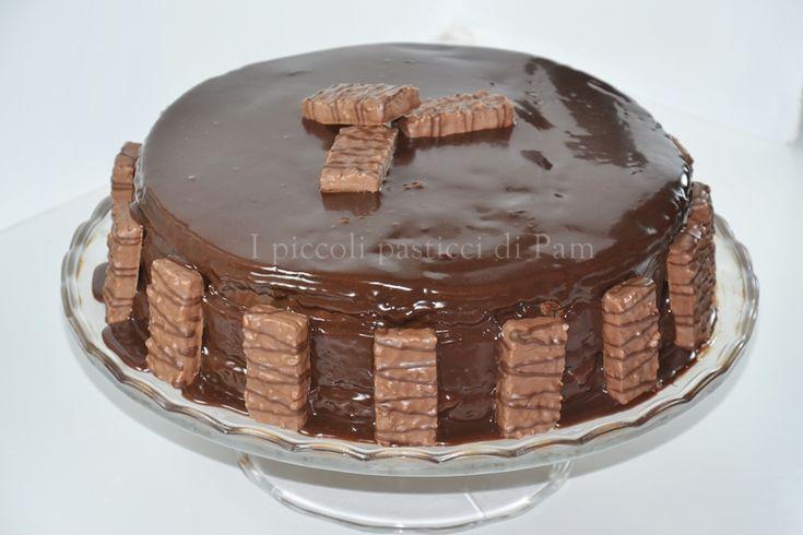 Torta al cacao con crema ai wafer