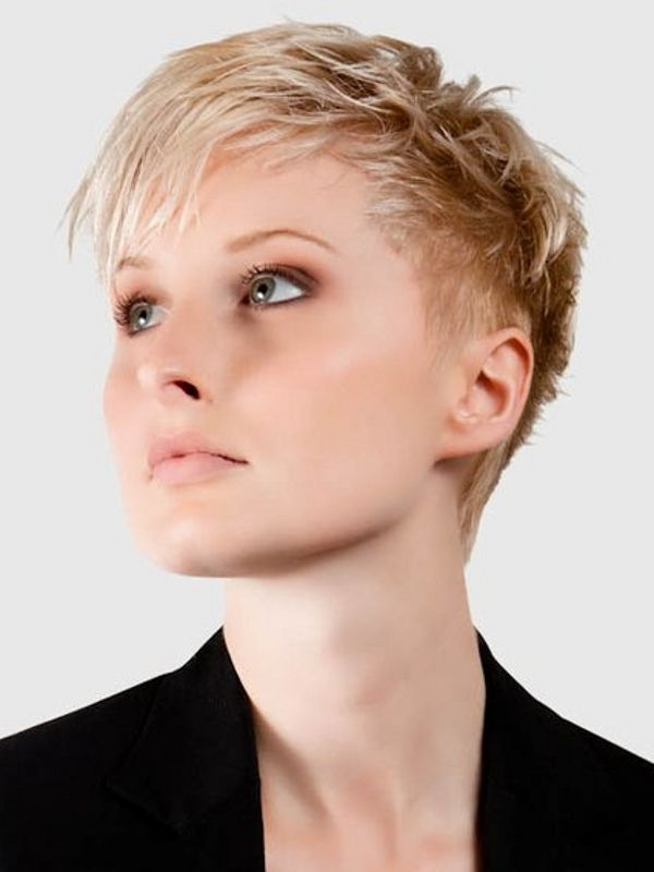 Short Easy Haircuts For Women to get inspired