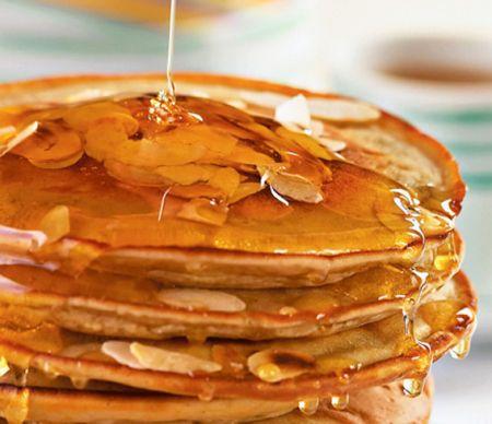 Ideia de café da manhã pra ter uma semana mais doce. #panquecas #mel