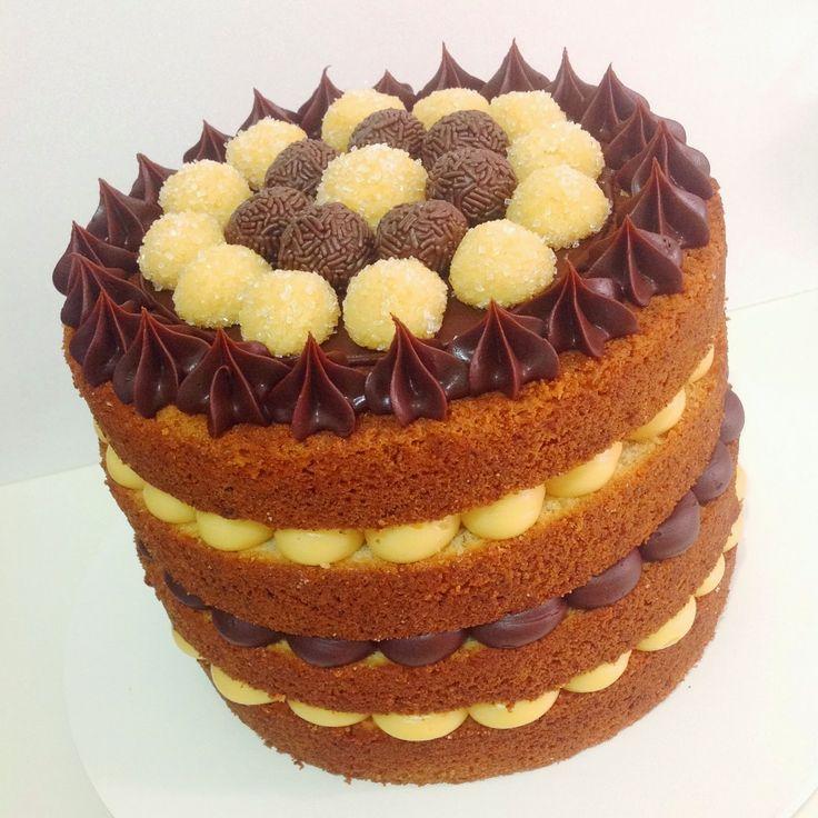 Naked cake de brigadeiros de maracujá e de chocolate com ganache de chocolate meio amargo. #placeofcakes #nakedcake: