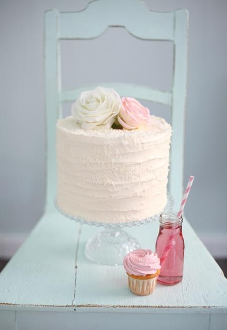 Cake with lemonade