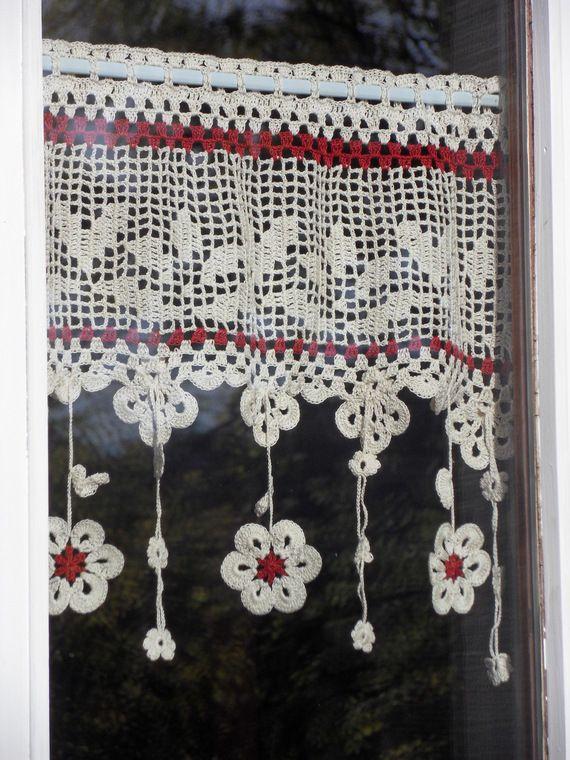 Voilage fleurs au crochet d'art 50cm de large ambiance belliloise