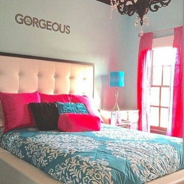 Great room decor for a teen, super cute!