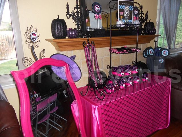 monster high party: Monsters High Birthday, Monsters High Party, Birthday Idea, High Fashion, Party Idea, 8Th Birthday, Halloween Party, Monster High Party, Birthday Party