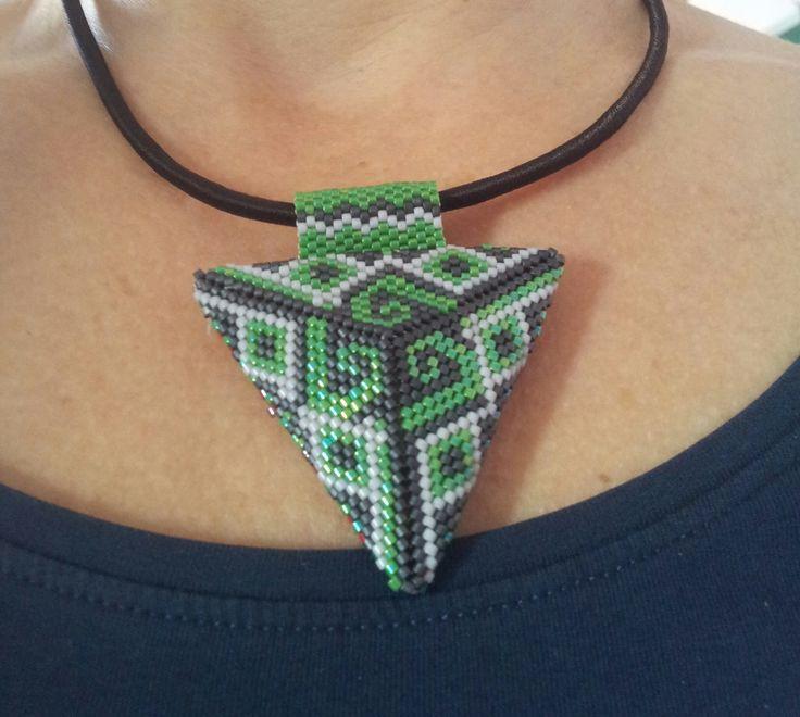 necklace - ciondolo verde