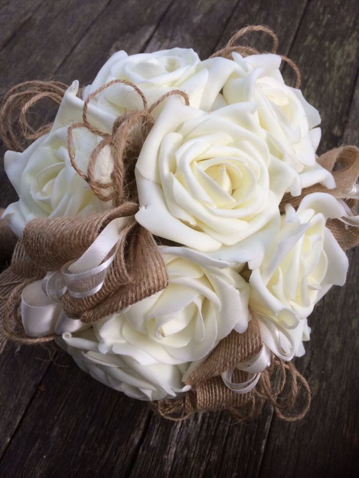 Ivory bouquet... With foam deal life looking roses