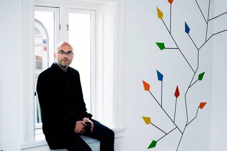 Nikolaos Farmakis driver med eiendomsinvesteringer ved siden av jobben. Foto: Taran Gjøystdal