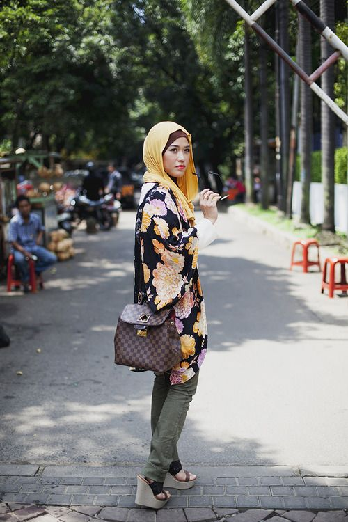 Lisa Namuri By: Langston Hues Jakarta, Indonesia #modeststreetfashion