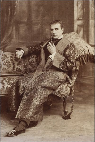 William Gillette as Sherlock Holmes in Sherlock Holmes at the Lyceum, 1901 Flamboyant display of excessive wealth