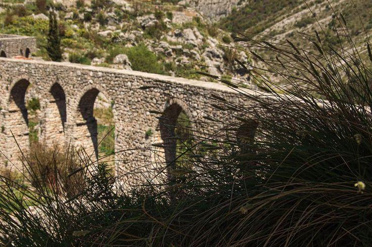 Акведук. Старый Бар. Черногория. Aqueduct. Old Bar. Montenegro