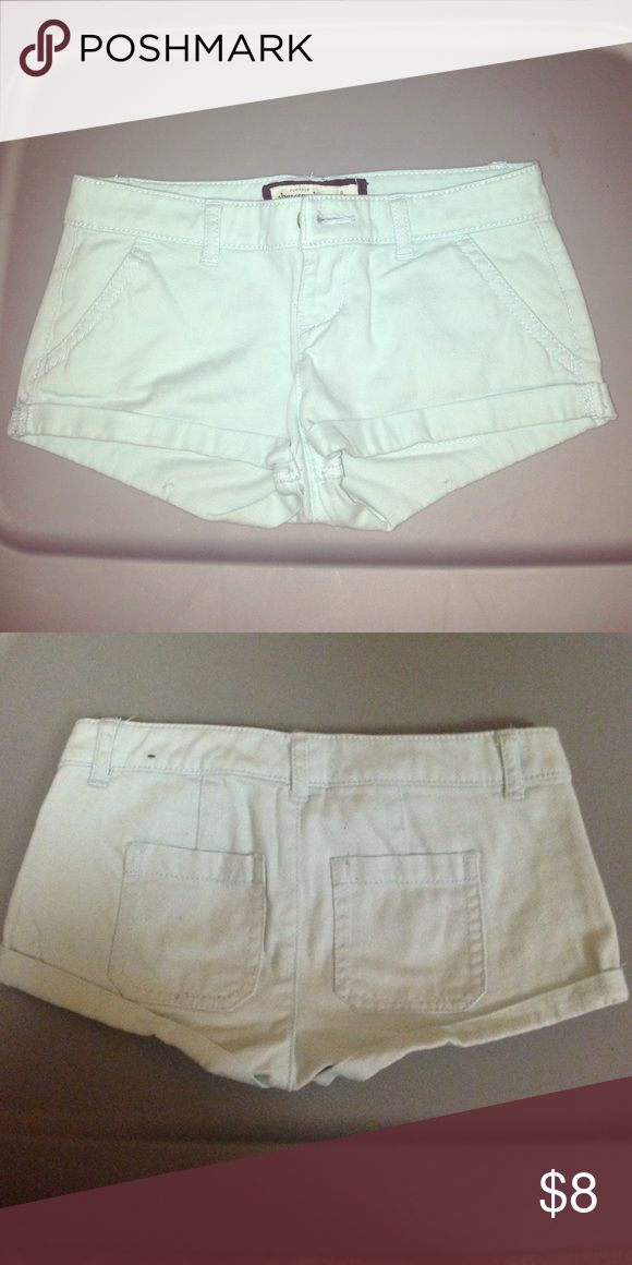 Abercrombie kids size 8 Abercrombie kids shorts size 8, light baby blue, great condition no stains. Perfect for back to school. abercrombie kids Bottoms Shorts