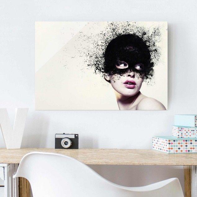 Glasbild - Das Mädchen mit der schwarzen Maske - Quer 2:3#Glasbilder #Glasbild #BildausGlas #BildaufGlas #Highlights #GlasbildKüche #Spritzschutz #3D #Bild #Echtglas #Frau #Beauty #Mode #Kunst