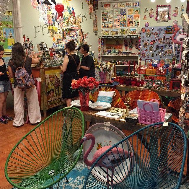 La boutique Fantastik, 62 calle joaquin costa, est sympa à visiter :) #barcelona
