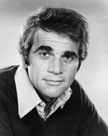Alex Rocco, the veteran of tough-guy roles and the Emmy-winning star of The Amazing Teddy Z, is best remembered as casino owner Moe Greene, who runs afoul of the Corleone family in The Godfather.