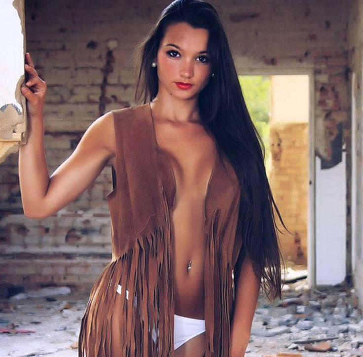 > FOTOS: Las imágenes mas sensuales de Ylenia, nueva pretendienta de Iván   EXTRA VIP