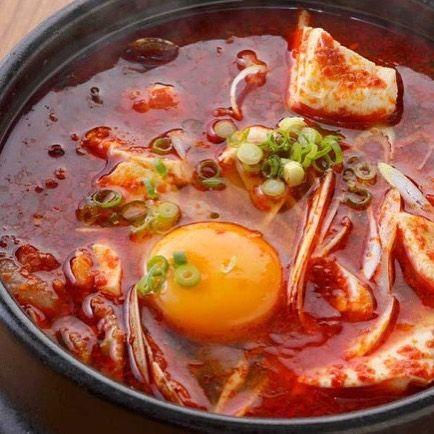 こんにちは! 表参道 韓国料理 COSARI TOKYOですo(^▽^)o この時期からは、ランチ人気No.1の「順豆腐スンドゥブチゲ」セットです! グツグツと熱々のままテーブルにご提供致します^ ^ ご飯もクッパにしてお召し上がりくださいませ 11:30〜ランチ始まります^ ^ #ランチ個室 #禁煙 #女子会 #韓国料理 #サムギョプサル #姉妹店 #肉フェス #女子会 #個室焼肉 #隠れ家 #マッコリ #新大久保 #チーズダッカルビ #韓国 #韓国旅行 #肉 #飲み放題 #カクテル #コラーゲン #ヘルシー #チヂミ #石焼ビビンパ