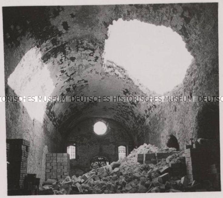 ΧΑΝΙΑ ΜΑΙΟΣ 1941 ενα απο τα Νεώρια βομβαρδισμένο