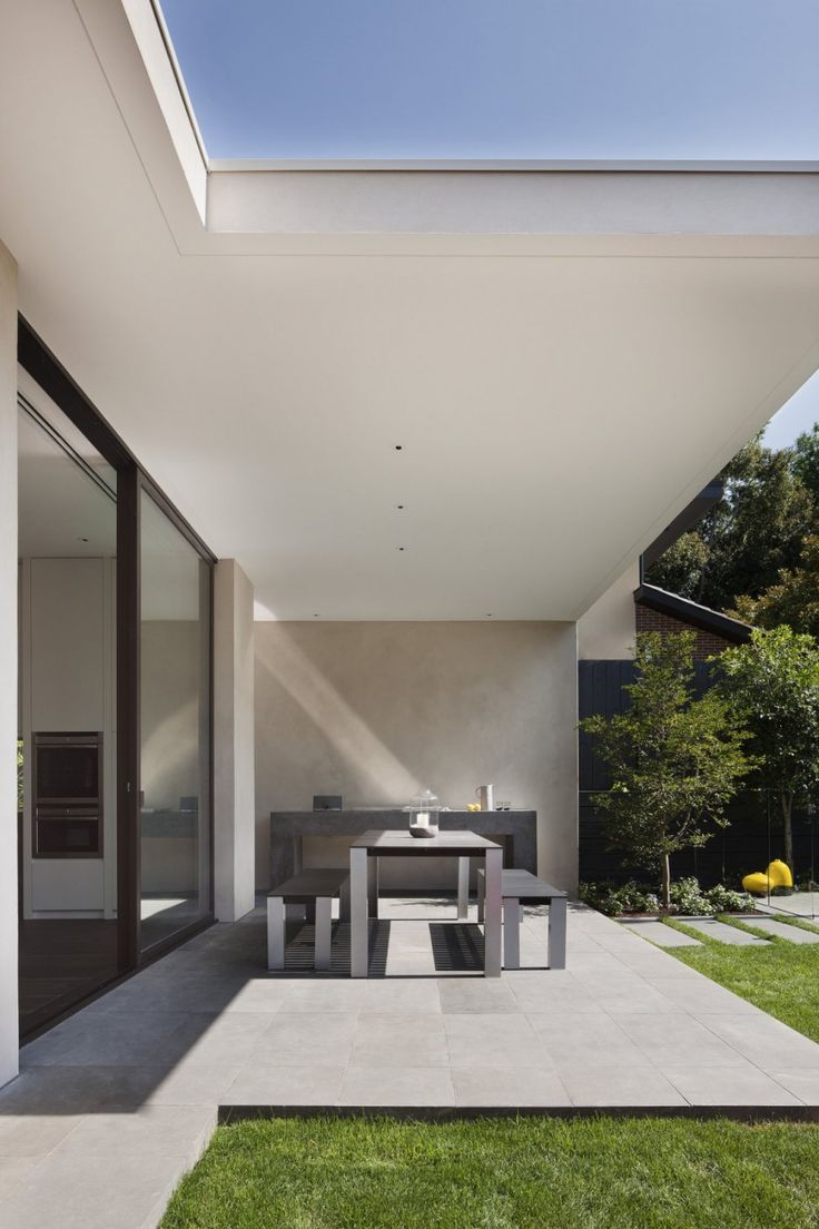 Openness Gorgeous House Oriented Towards Sustainable Design: Malvern House by Lubelso