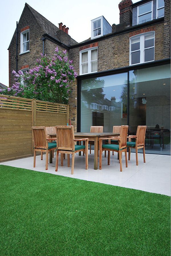 Contemporary minimalist glass extension panoramah for Minimalist house london
