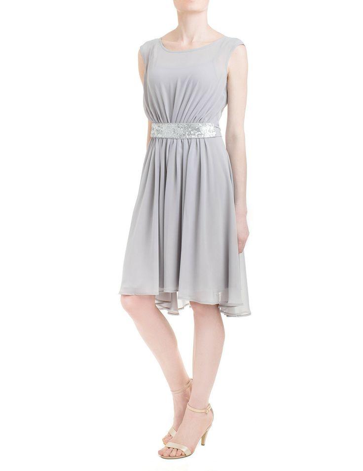 Popielata sukienka z cekinowym pasem. Pas można dowolnie wiązać albo wymienić np. na skórzany paseczek w mocnym kolorze! #moda #stylizacje #wesele #danhen #2014 #wiosna