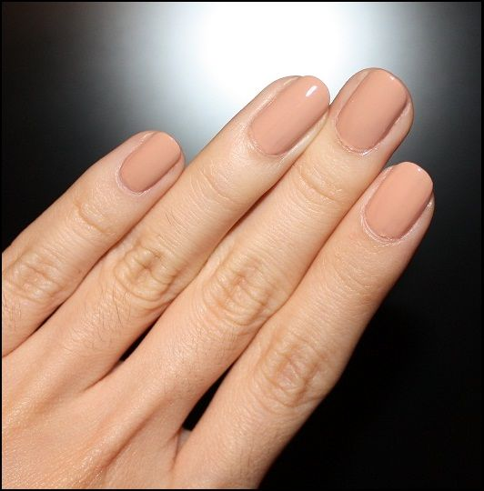 MAC nude polish