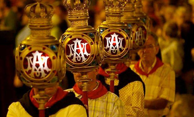 Procesión del Rosario de los Faroles: tradicional, sentida y genuinamente vitoriana – Vitoria-Gasteiz / Fiestas de la Blanca