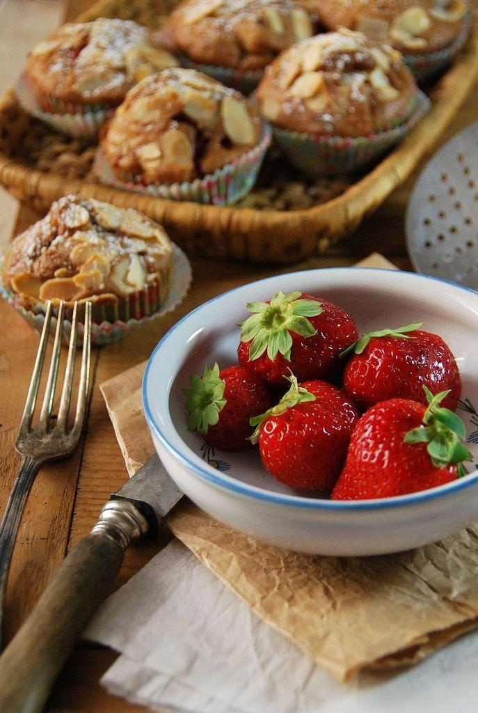 Muffins aux fraises, pomme et amandes - Tangerine ZestTangerine Zest