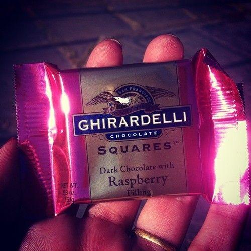 Gracias mis tortolitos por este detalle… Un dulce regalito viajero. #Chocolate