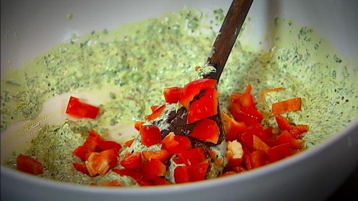 Raita er en indisk saus med yoghurt og krydder.