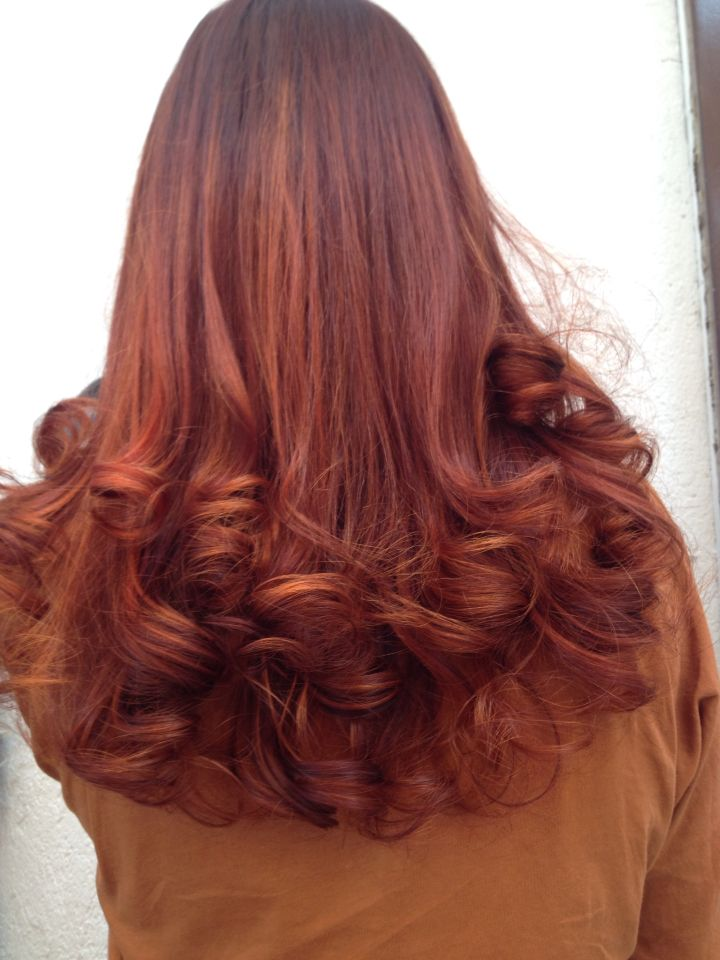 curls color red