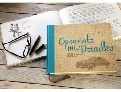 """Książka/Pamiętnik """"Opowiedz mi, Dziadku"""" to wspaniały prezent zarówno dla Dziadka, jak i wnuków. Serdecznie polecamy!"""