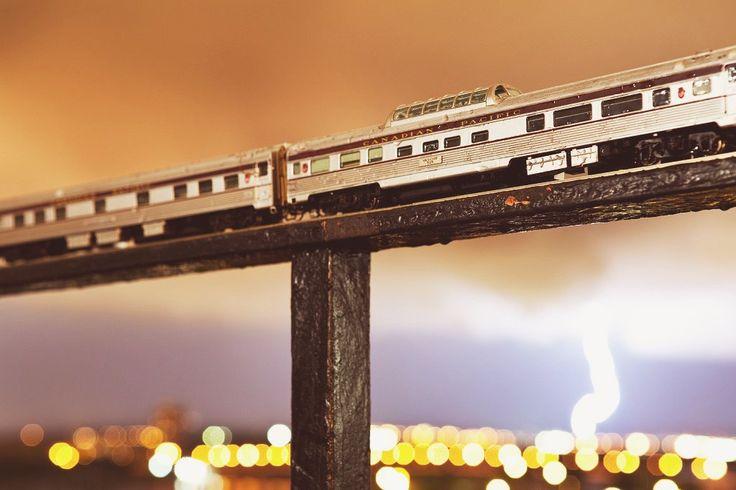 ИГРУШЕЧНЫЙ ПОЕЗД В БОЛЬШОМ МИРЕ #поезд #канада