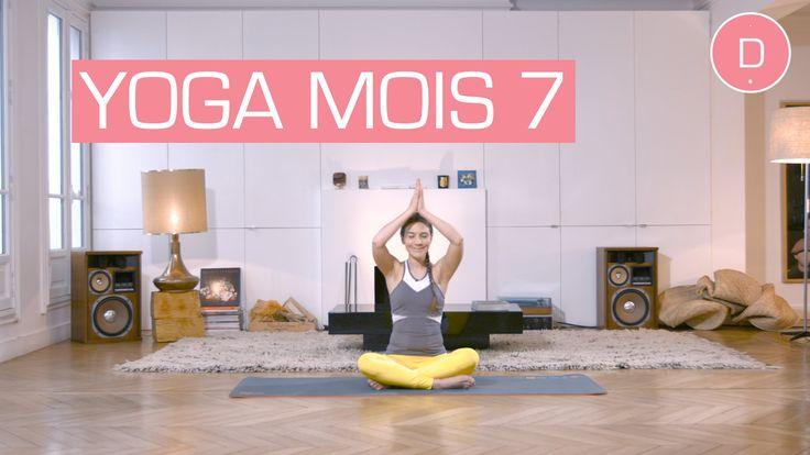 Cette séance de Yoga pour le 7ème mois de grossesse est dédiée à l'étirement des jambes et du dos mais aussi à la relaxation. Suivez Delphine Bourdet, profes...