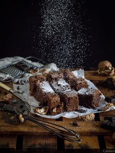 Cómo preparar un brownie de chocolate perfecto - No quieres caldo? ... Pues toma 2 tazas.