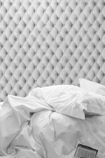Padded Linen White Wallpaper - Koziel 10m Roll