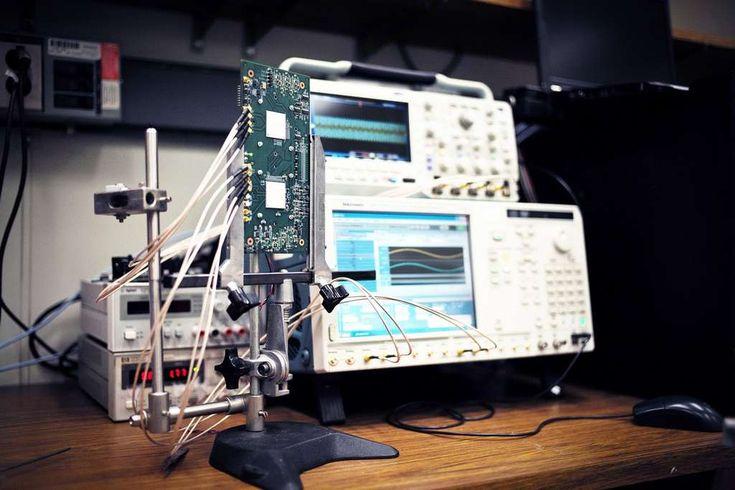 Le concept « d'hyperimagerie » décrit par IBM consiste à analyser plusieurs bandes du spectre électromagnétique afin de révéler des phénomènes physiques difficiles à déceler, voire invisibles. © IBM