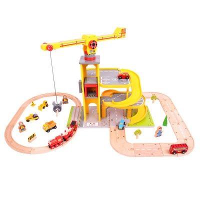 Bigjigs Rail železničný a cestný garážový set so žeriavom
