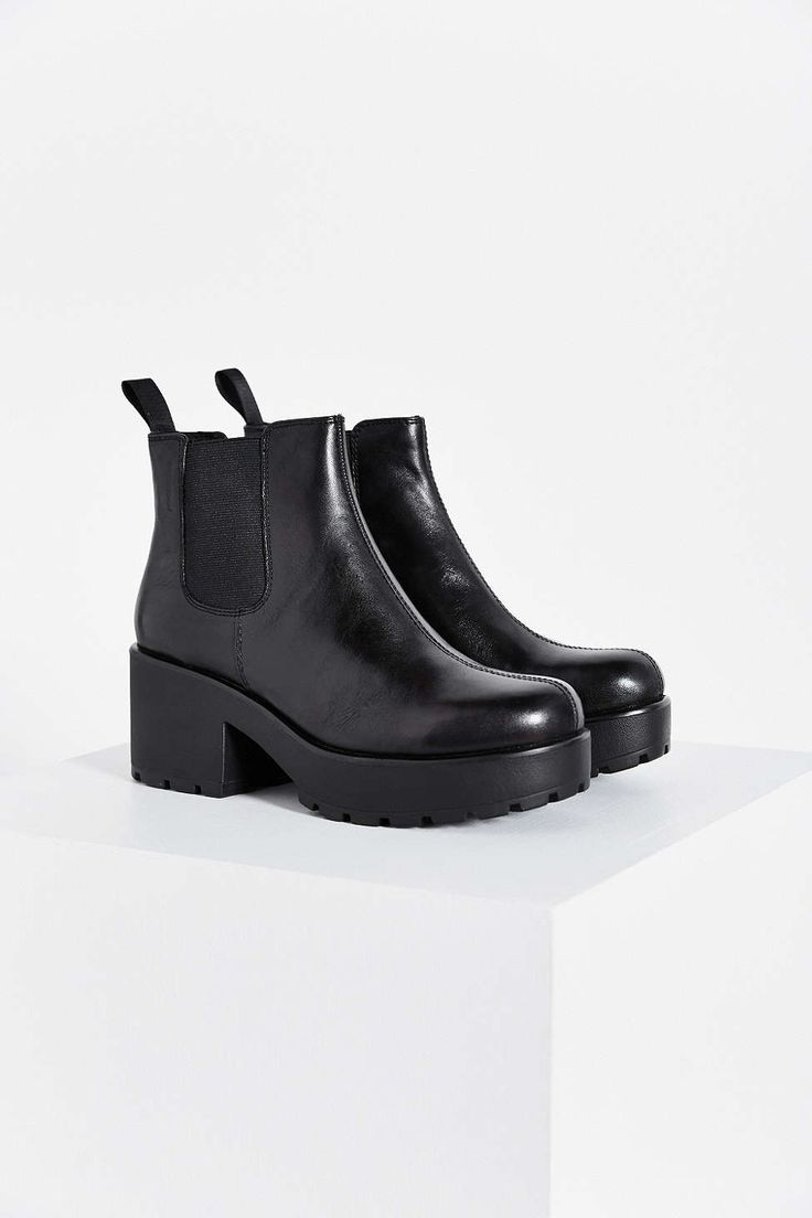 Vagabond Dioon Chelsea Boot $155