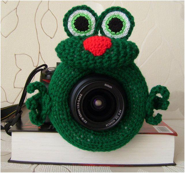 Frosch Fotografen Helfer, Spielzeug auf Objektiv von MiraOla auf DaWanda.com
