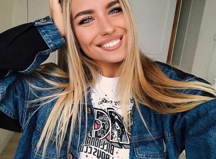 @Alexandraburimova