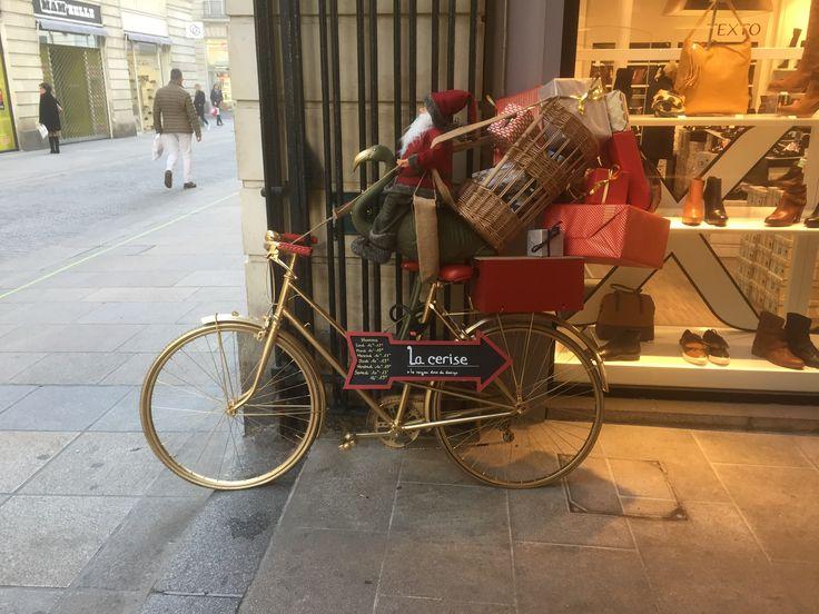 Le #vélo de la #boutique, La Cerise noyau doux du #design à #Nantes.