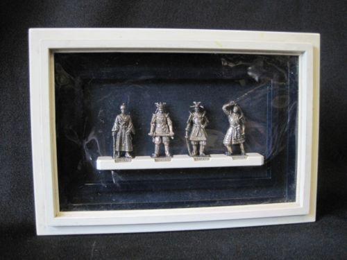 Diorama-kinder-surprise-samourai