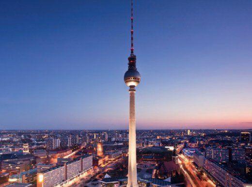 Berliner Fernsehturm/ TV Turm Alexanderplatz More information on #Berlin: visitBerlin.com