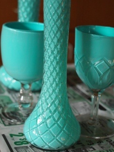 How to turn mismatched glassware into color-coordinated vases: Recycled Glasses, Vase, Crafts Ideas, Color, Paintings Glasses, Olympus Digital, Recycled Paintings, Digital Cameras, Revamp Glasses