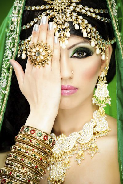 Stunning.. Indian Jewels.. the jeweled Headpiece..Beautiful~
