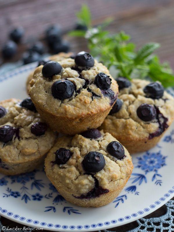 Hirse-Bananen-Muffins mit Erdnüssen und Blaubeeren *vegan *glutenfrei