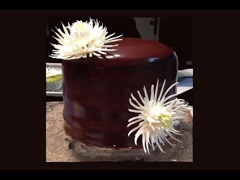 White Chocolate Mum Cake / Cake Decorating - YouTube